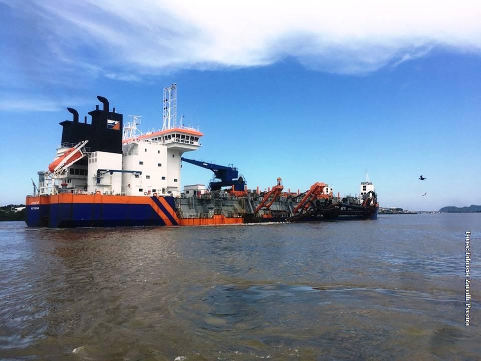 A draga atua na região desde a terceira semana de Janeiro está com o prazo de 60 meses de operação e sua ação tem extrema importância para as atividades de cabotagem, importação e exportação