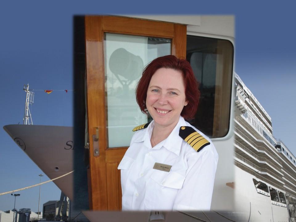 Serena Melani ingressou na Regent em 2010 como Oficial de Ponte (Bridge Officer),